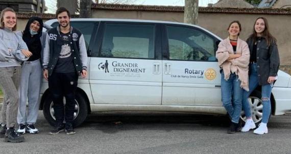 Un véhicule pour les besoins généraux de l'association Grandir Dignement